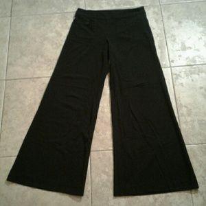 F21 Black Super Wide Leg Pants Size Small